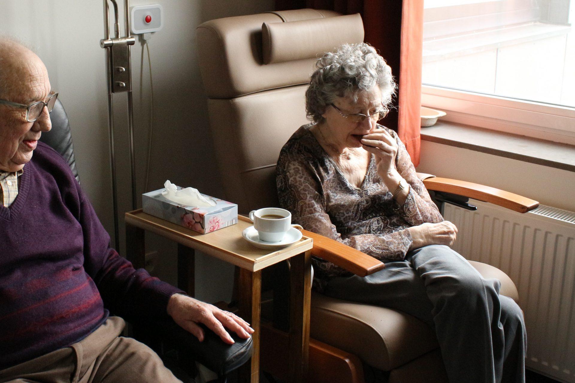 海外赴任中の介護保険はどうするのか(海外引越よもやま話)